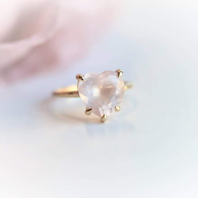 ALVA | 14K Heart Rose Quartz Solitaire Ring