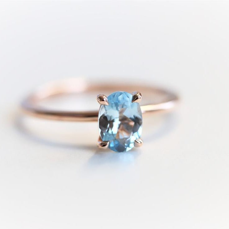 ALVA | 0.7 ct Oval Aquamarine Dainty Solitaire Ring