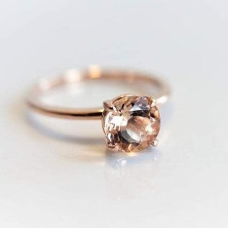 ALVA l Classic 1 Carat Round Peach Morganite Solitaire Ring