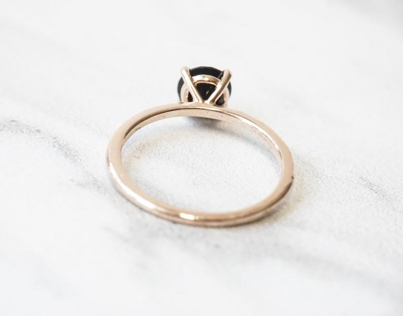 ALVA |  0.7 ct. Round Black Onyx Solitaire in Hammer Finish
