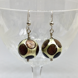 Earrings with shades of purple and white gold Murano glass small sphere drops
