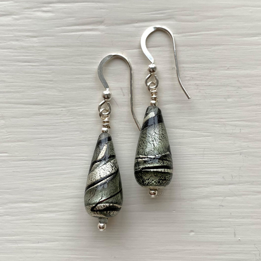 Earrings with shades of grey and white gold Murano glass short pear drops on silver or gold
