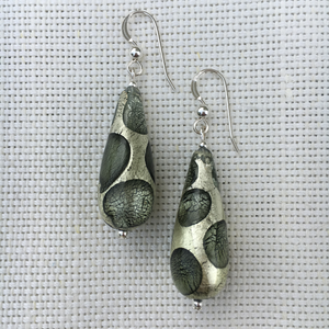 Shades of Grey (it. Grigio) With White Gold Long Pear Drop Earrings