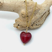 Necklace with red (it. rosso) Murano glass small heart pendant on gold cable chain