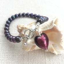 Bracelet with dark amethyst (purple) Murano glass small heart charm on black freshwater pearls