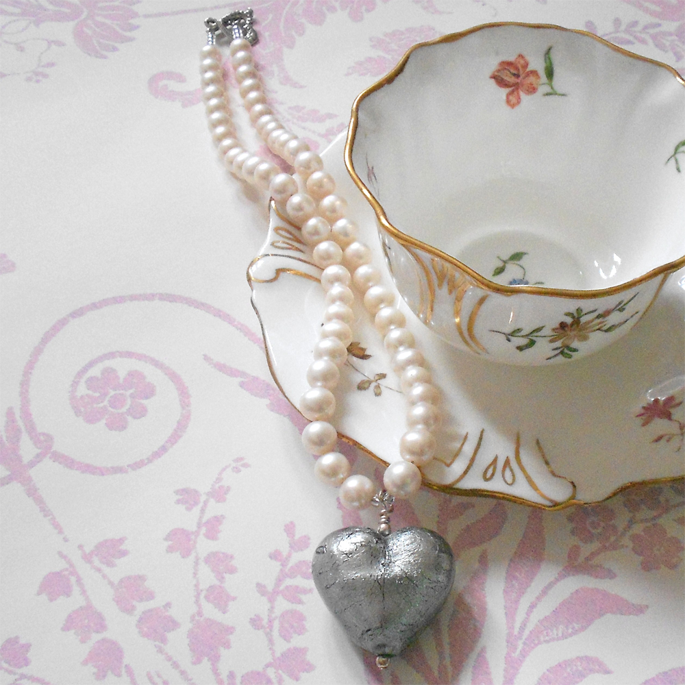 Necklace with grey Murano glass large heart pendant on white pearls