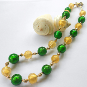 Necklace with dark green (emerald) and light (pale) gold Murano glass sphere beads on gold