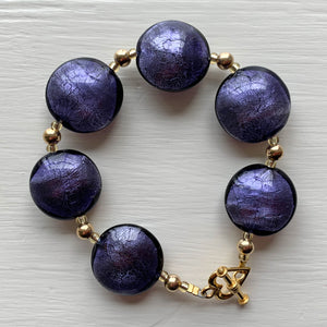 Bracelet with purple velvet Murano glass medium lentil beads on gold