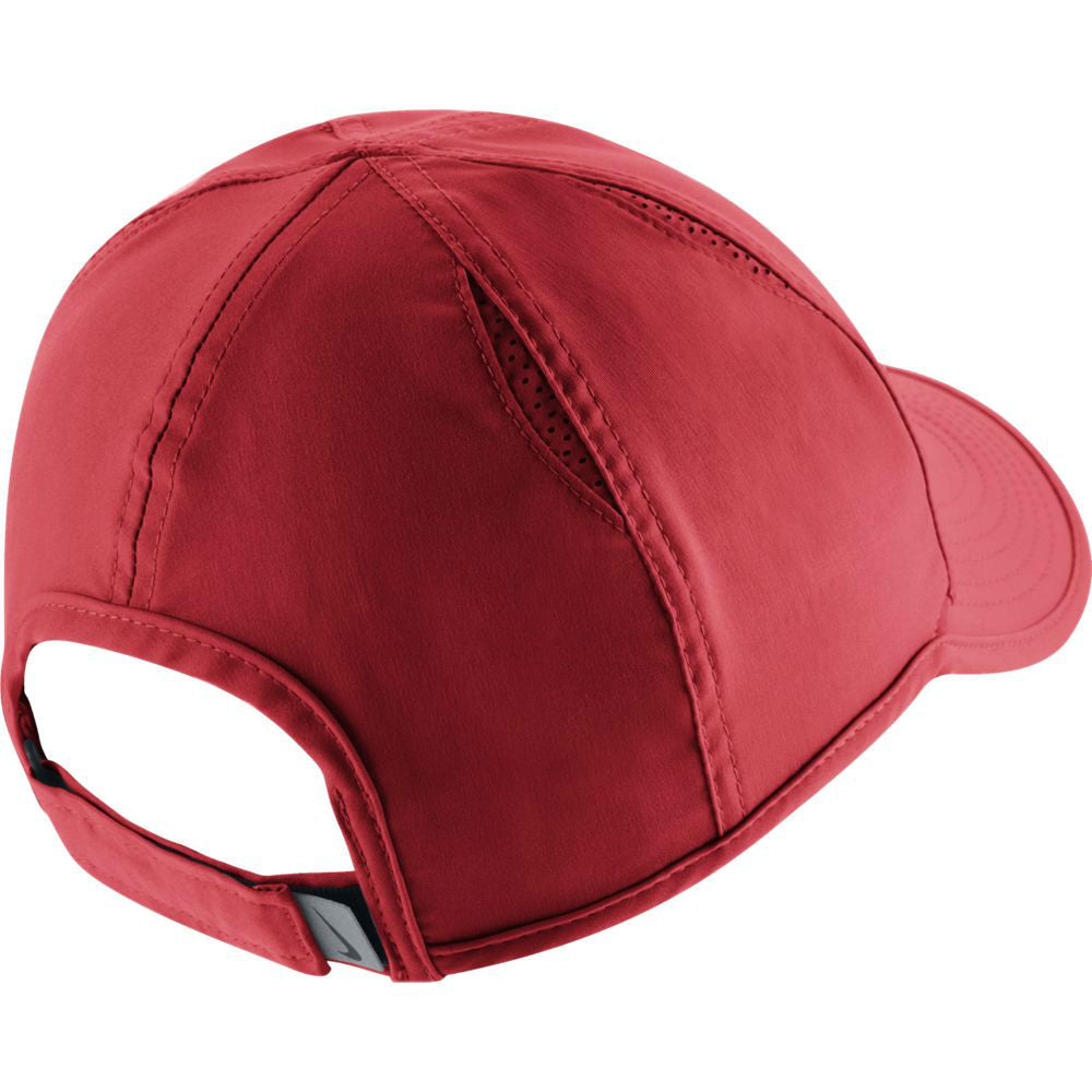 Nike Women's AeroBill Featherlight Hat (Red) - RacquetGuys.ca