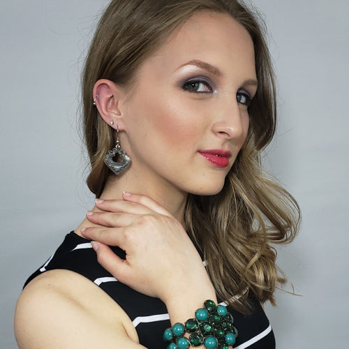 Red Carpet Ready Green Crackled Glass and Cabochon Bead Cuff in Antique Goldtone - Houzz of DVA Boutique