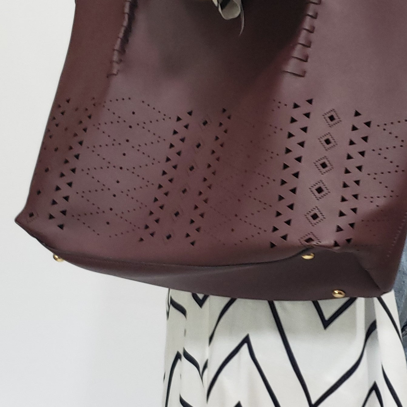 She is Razor Sharp Set of 2 Vegan Leather Tote in Burgundy - Houzz of DVA Boutique