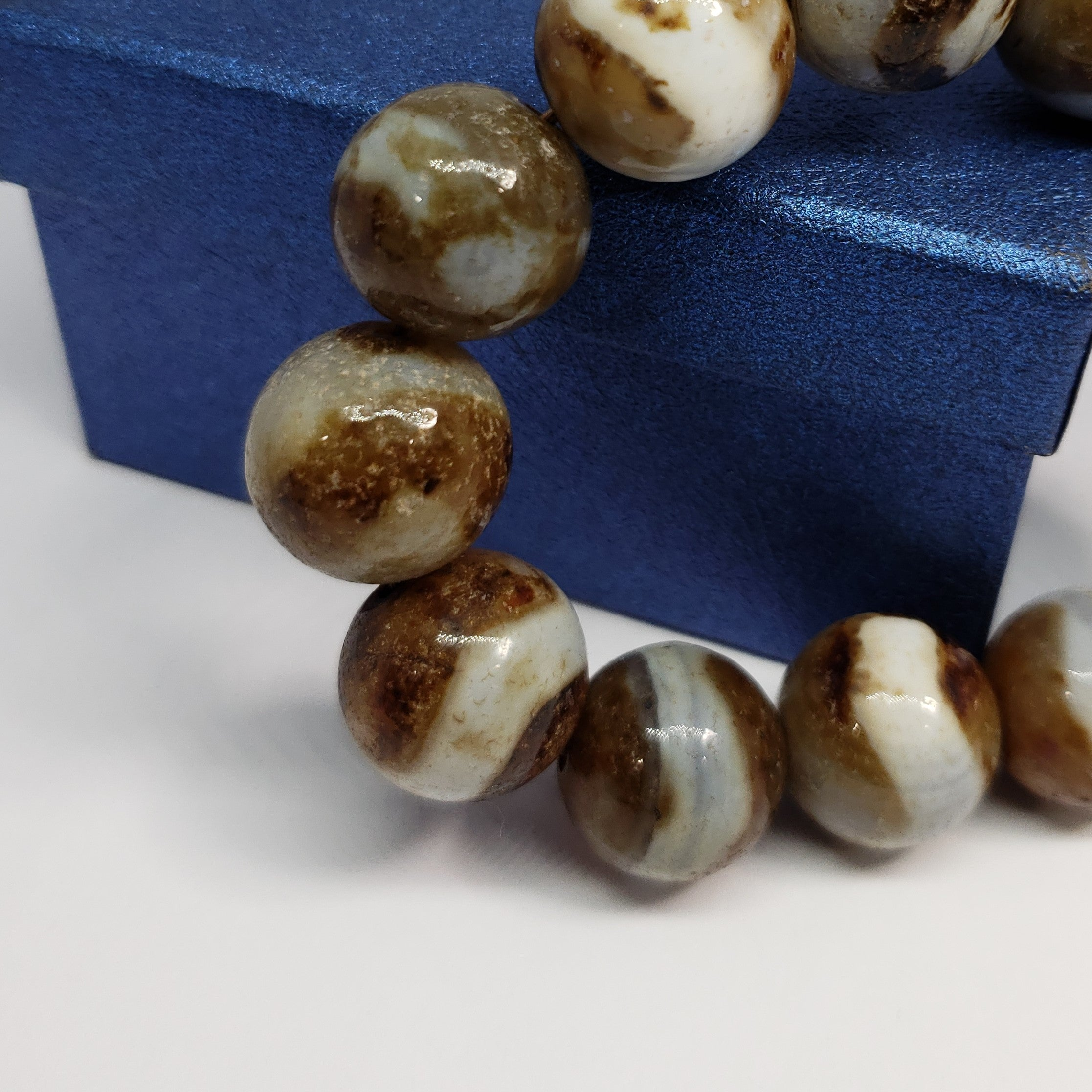 Leopard Agate Enhanced Beads Bracelet (Stretchable) TGW 924.00 cts. - Houzz of DVA Boutique
