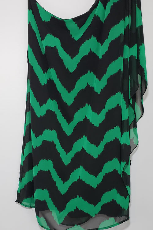 Liz One Shoulder Chevron Kelly Green & Black Dress - Houzz of DVA Boutique