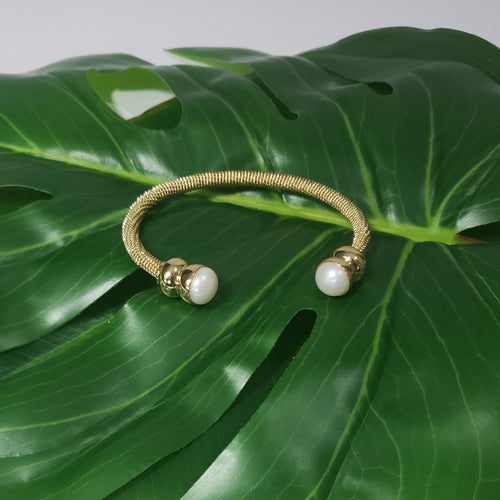 Freshwater Pearl YG Stainless Steel Twisted Cuff 9.5-10mm (7.50 in) - Houzz of DVA Boutique