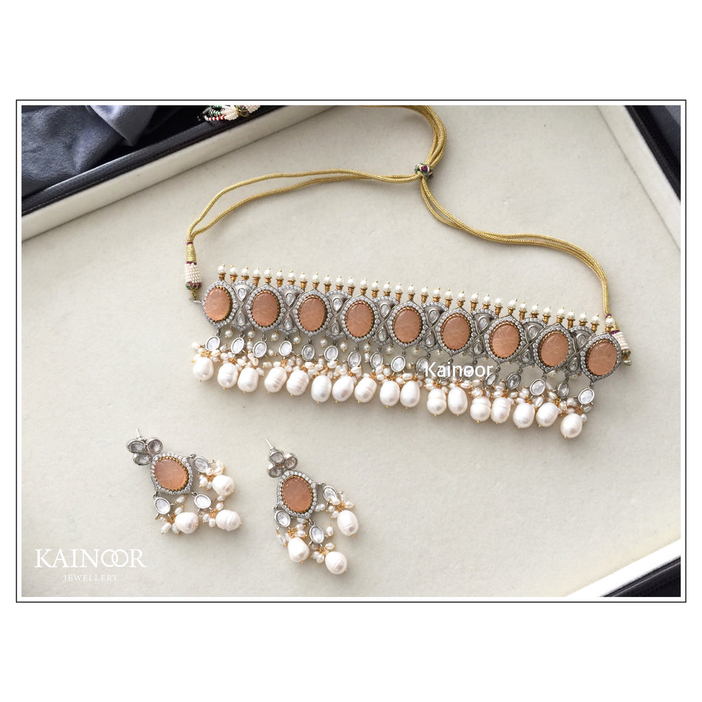Paris - peach choker