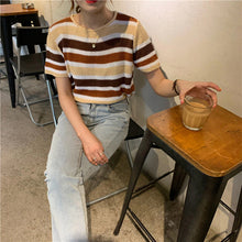Vintage Striped Color O-Neck Knitted Shirt
