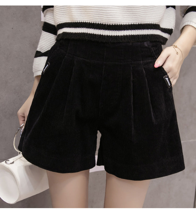 Corderoy Short Black