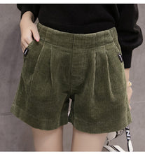 Corderoy Short Green