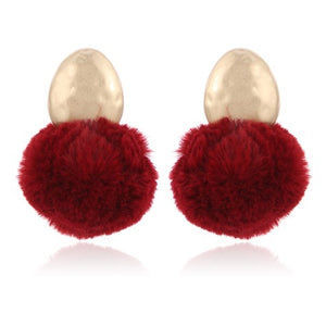 WINE FLUFFY EARRING ON GOLD STUD