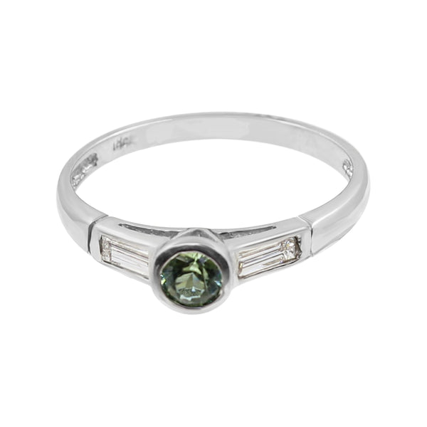 Green Tourmaline and Diamond ring set in 18 kt White Gold