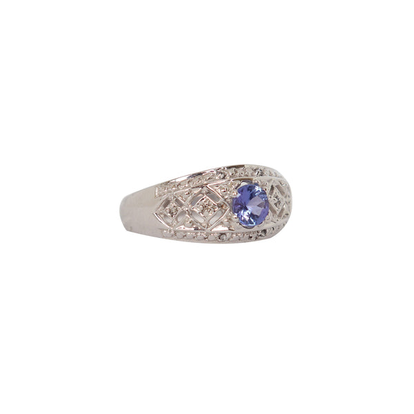 Oval Tanzanite Filigree ring in 18-karat White Gold