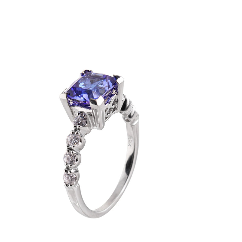 White Gold Ring with Tanzanite and Diamonds