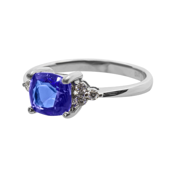 18 kt White Gold Tanzanite and Round Diamond Dress Ring