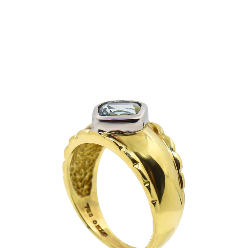 18 kt Yellow Gold Cushion Aquamarine Ring