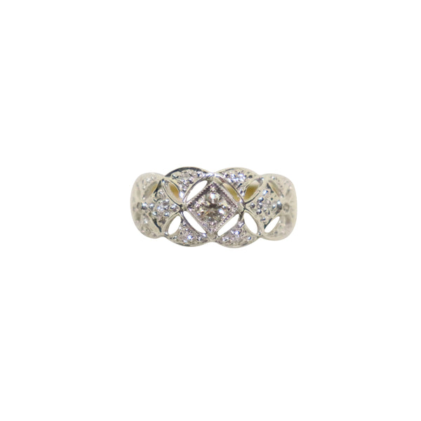 18kt Two-Tone Lace Diamond Ring
