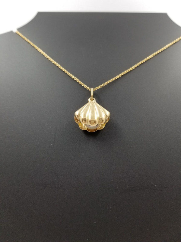 Gold Shell with a Pearl - Cape Diamond Exchange