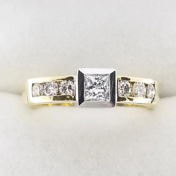 18 kt White and Yellow Gold Ring with A Princess Cut Center Diamond - Cape Diamond Exchange