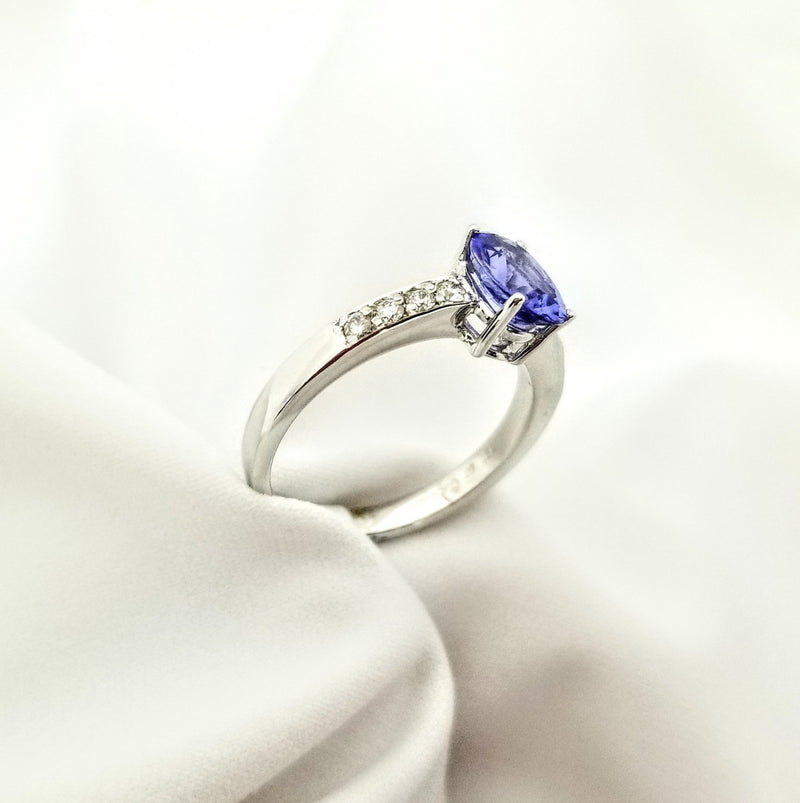 18kt Oval Tanzanite Ring with Diamonds - Cape Diamond Exchange