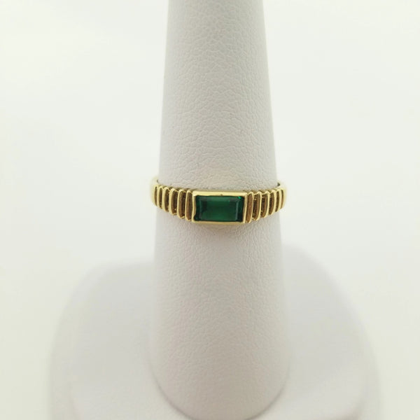 9kt Yellow Gold Ribbed Green Stone Ring - Cape Diamond Exchange