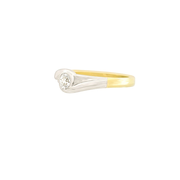 9 kt Yellow And White Gold Cubic Zircon Ring - Cape Diamond Exchange
