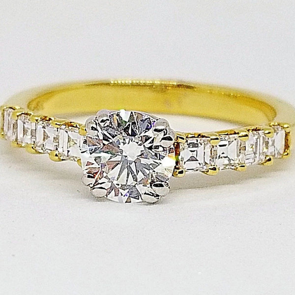 18 kt Yellow Gold Ring with Princess Cut Diamonds - Cape Diamond Exchange