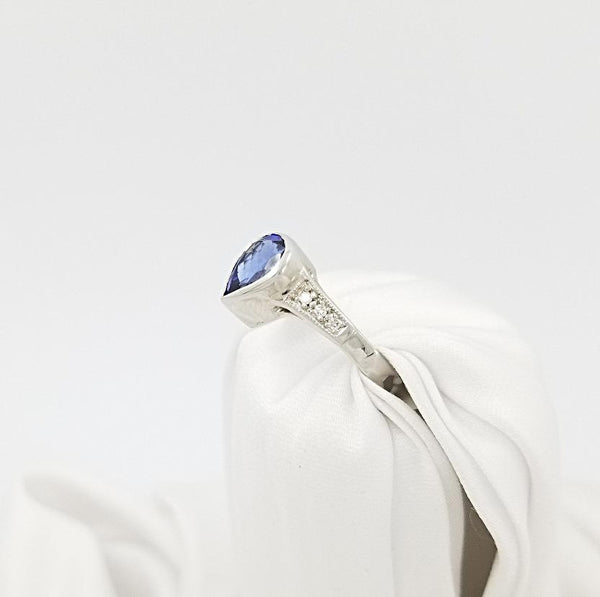 18 kt White Gold Pear shaped Tanzanite and Diamond ring - Cape Diamond Exchange