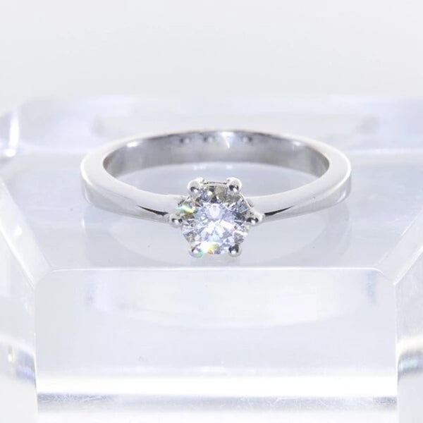 18kt White Gold Six Claw Engagement Diamond Ring
