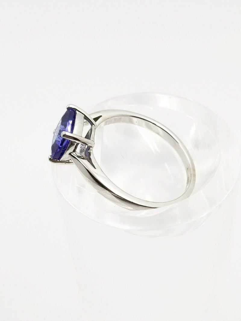 9 kt White Gold Cushion cut Tanzanite Ring - Cape Diamond Exchange