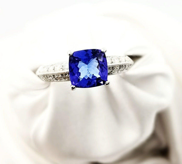18 kt White Gold Cushion cut Tanzanite and Diamonds Ring - Cape Diamond Exchange