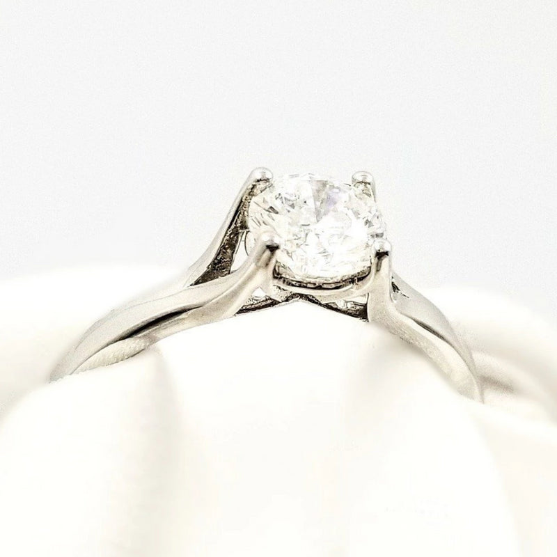 9 kt White Gold Diamond Ring in a Crown - Cape Diamond Exchange