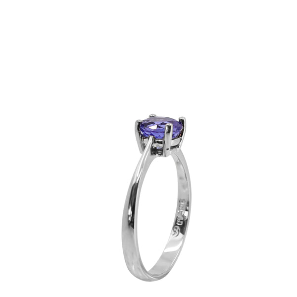 9 kt White Gold Round Tanzanite Ring