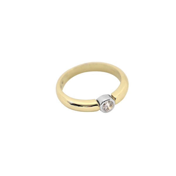 9 kt Yellow Gold Cubic Zircon Tube Ring - Cape Diamond Exchange