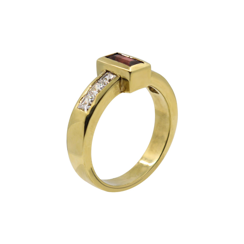 Baguette Garnet with six Square Cut Cubic Zirconias in Yellow Gold