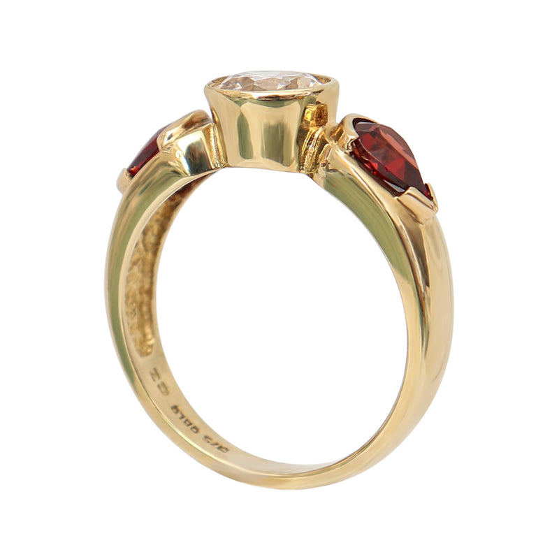 Pear Garnet Fancy Ring with a Cubic Zirconia in 9 kt Yellow Gold