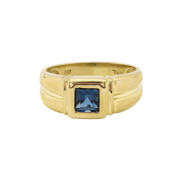9 kt Yellow Gold Square Cut Blue Topaz Ring