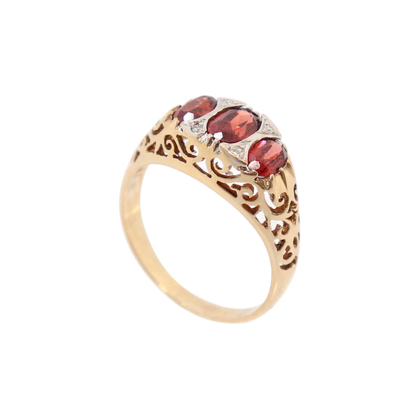 9 kt Yellow Gold and Diamond Fancy Dress Ring