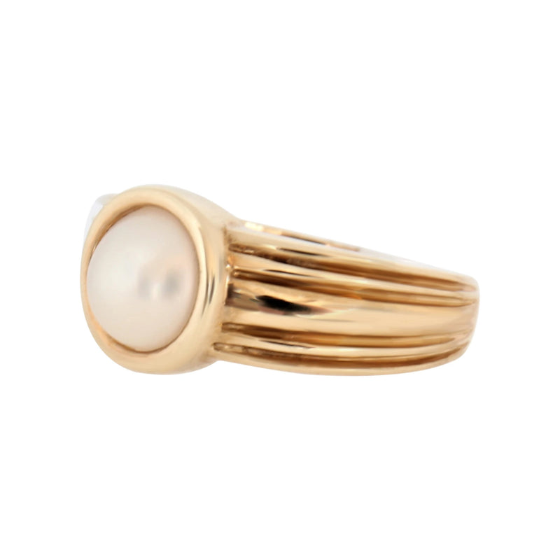 9 kt Yellow Gold Round Mabe Pearl Ring