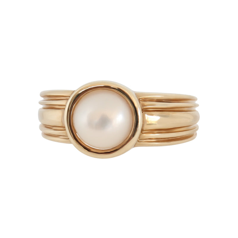 Tube set Mabe Pearl Ring in 9 kt Yellow Gold
