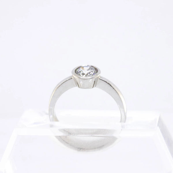 18kt White Gold Tube Setting Diamond  Ring