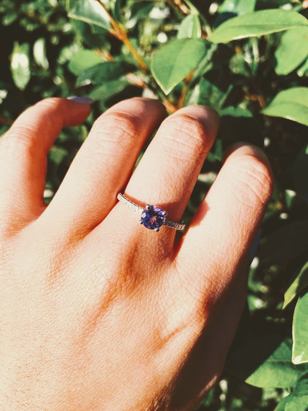 Tanzanite Ring with Diamonds on the sides